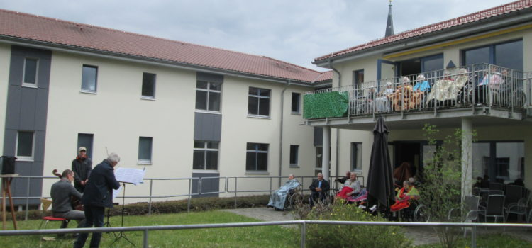 MDR-JUMP Lieder-Lieferdienst zu Gast im Senioren-Centrum Lengenfeld